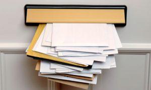 郵便を留め置く